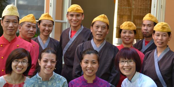 Das Team 'Lan' mit Huong Trute und Küchenchef Trinh van Ngoc ©Alina Lipka