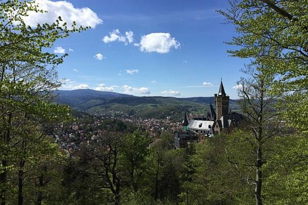 Auf dem Agnesberg Blick zum Schloss Wernigerode ©Anja Leineweber